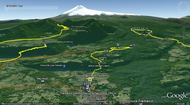 Immagine di territorio 3D con percorsi tracciati con GPS e riferimenti